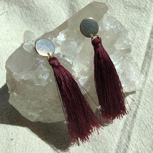 🍋 3/$25 ⭐️ maroon + gold tassel earrings ⭐️